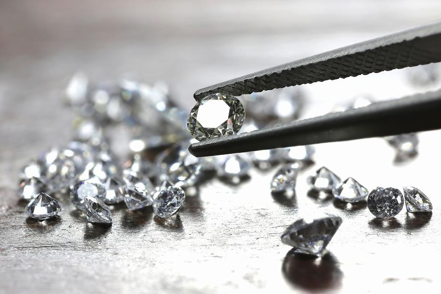 ダイヤモンドの価値を暴落させる要素は?
